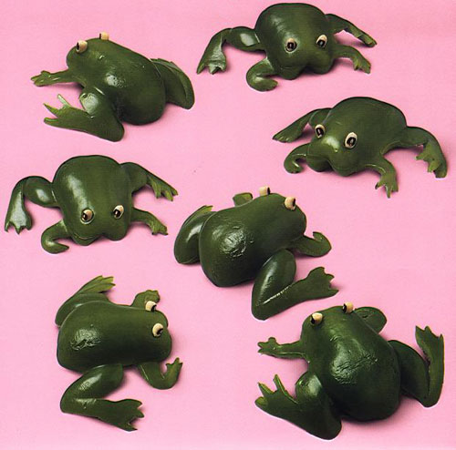 food frogs Thou shall play with your food!  Creative Food Art