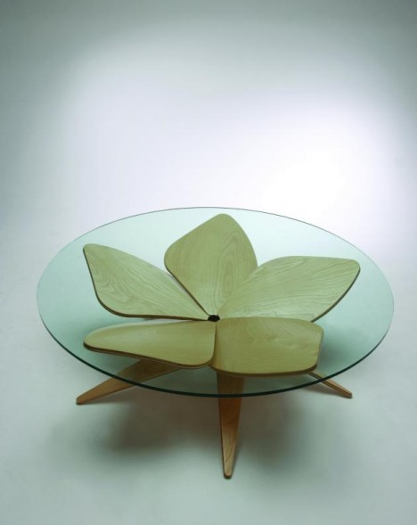 hana table 468x589 25+ Amazing Origami Inspired Designs