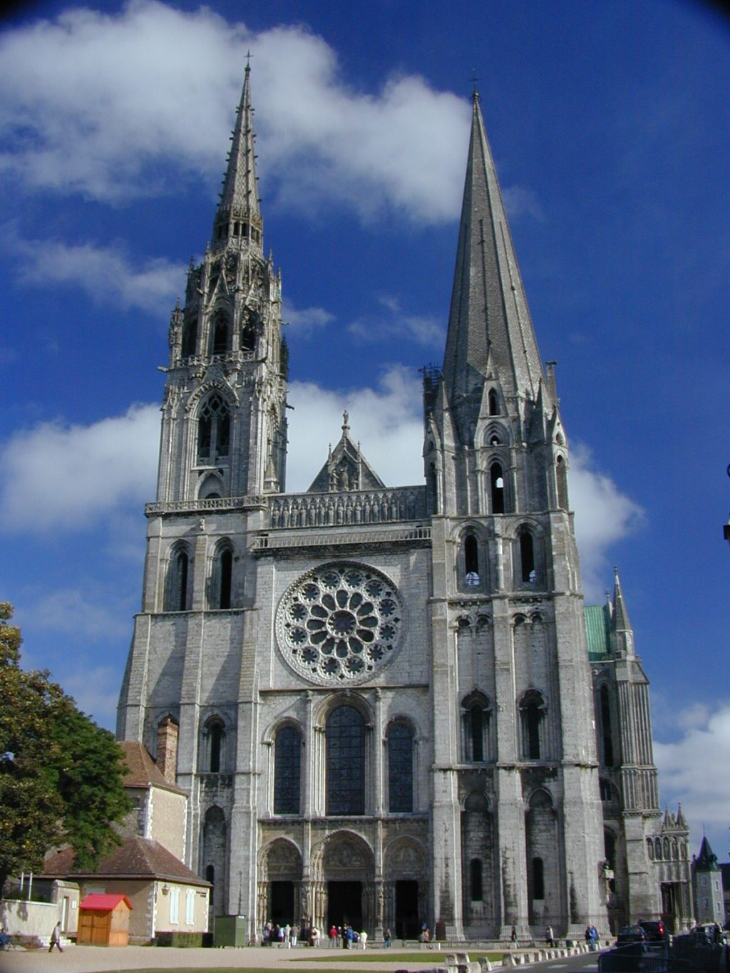 the history of gothic architecture The style of architecture we now call gothic first emerged in northern france in around 1140 it evolved during the construction of great churches in the paris region.