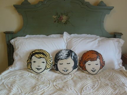 il 430xN.175325993 15+ Out of the Ordinary Pillow Designs