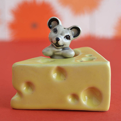mouse and cheese salt and pepper shaker design 35+ Creative and Funny Salt and Pepper Shakers