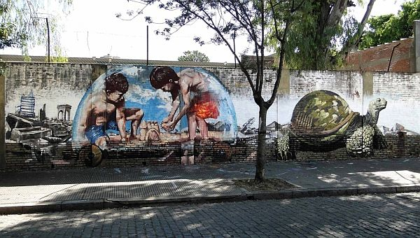 Mind Blowing Pieces of Street Art from Around the World 1 20 Mind Blowing Pieces of Street Art from Around the World