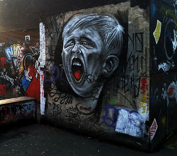 Mind-Blowing-Pieces-of-Street-Art-from-Around-the-World-19