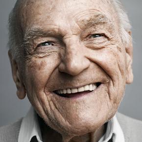 Happy-at-100-Emotive-Portraits-of-Centenarians-2