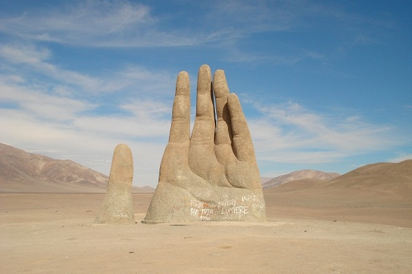 9-unusual-and-creative-sculptures-and-statues-1